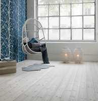 Dersom du vil ha et lysere gulv må du slipe gulvet og olje på nytt.
