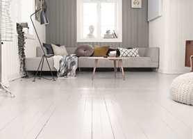 Det er ikke bare veggene som kan males. Hva med å gi gulvet et skikkelig løft? Nytt rom på 1-2-3! (Foto: Trestjerner)