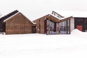 <b>ÅPEN BOK:</b> Taket på det nye biblioteket i Seljord er tegnet som en åpen bok. Det synes både utenpå og innvendig.