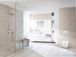 AquaClean Sela bidrar, sammen med resten av interiøret, til å skape et rent og elegant uttrykk. (Foto: Geberit)