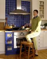 Siv er kjempefornøyd med det nye kjøkkenet som hun selv har fargesatt.