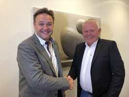 <b>INNKJØPSGIGANT:</b> (t.v.) Frank Olsen i Rørkjøp og Jan Vang i VVS Eksperten har dannet VVS Norden. De skal samarbeide om innkjøp i milliardklassen til sine respektive kjeder.