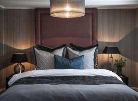 <b>HOTELL HJEMME:</b> Christine Hagen Pettersen hos malingsprodusenten Beckers vil ha hotellfølelsen på sitt soverom. – Det skal være avslappet, luksuriøst og mørkt, sier hun.