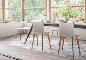 <b>PERSONLIG:</b> Med vinylbeleggets mange ulike design, kan du enkelt få et unikt og kult kjøkken. Det mønstrede gulvet er HQR fra Gerflor.