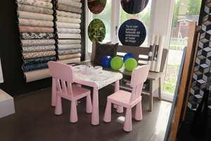 <b>SMÅ ROM:</b> Barna har sitt eget sted i butikken når foreldrene handler.