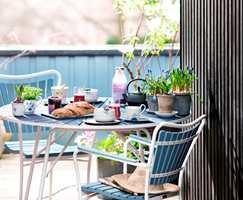<b>FROKOSTPLASS:</b> La fargene på frokostserviset inspirere deg.