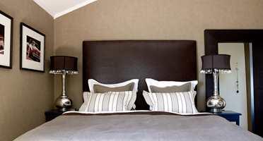 De ønsket seg et hyggelig soverom i sofistikert stil. Nå har de det, og kan lukke døren og tro at de er på hotell!