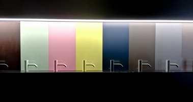 <b>FARGESPEKTER:</b> Kranen på servanten trenger ikke å være kromfarget. Pasteller og ulike metallfarger i både blank og matt utførelse er det nye. Disse kommer fra Dornbracht.