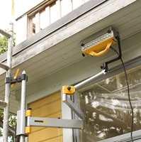 Varmeapparatet monteres på vegg eller tak og flyttes fra felt til felt.