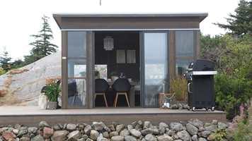 Drømmer du om en utestue, hjemme i hagen eller på hytta? Vi fikk fart på drømmen da vi så den Halvor Bakke og hans team i TV-serien Eventyrlig oppussing laget til en hytte i havgapet utenfor Kristiansand.