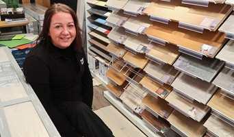 Skal du kjøpe nytt gulv? Her er spørsmålene du bør stille i butikken.