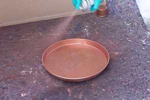 Ha sprayen i konstant bevegelse, og hold 20-30 cm avstand.