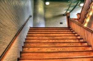 Tretrapper er også et sted hvor hardvoksolje er fin å bruke. Denne trapp er behandlet med Herdins Hardvoksolje fra Krefting.