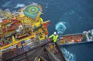 Uzin har mange produkter som er velegnet til bruk på skip og offshore-innstallasjoner. Dette stiller krav til en rekke grundige tester for å oppnå nødvendige IMO-sertifikater.