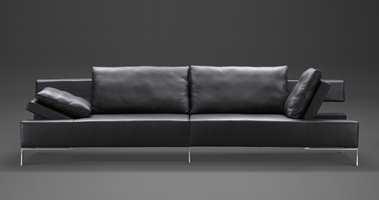 Legend er et samarbeid mellom dansk salgskompetanse, svensk design, taiwansk møbelhåndverk og Feng Shui. Geometriske former, lange linjer og ny funksjonalisme preger kolleksjonen, tegnet av Dan Ihreborn. Foto: Produsenten