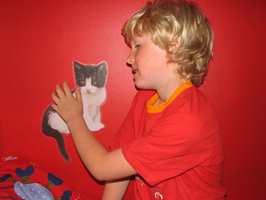 Det er kult med katter på veggen, synes Lavrans .S.Rygh 7år.