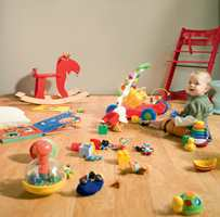 Laminat er slitesterkt når småen leker. Denne er fra Storeys.