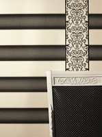 Tapetboken har mange border og mønstre.