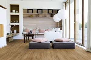 <b>ELEGANT I STUEN: </b>Den matte, pregede overflaten og god fargegjengivelse gir gulvet et meget naturtro og elegant uttrykk.