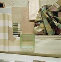 Produkt-collage. En samling av tekstiler, fliser, glassbyggestein og fargeprøver gir en forsmak på stil og fargebruk.