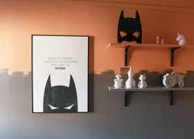 <b>SUPERHELT: </b>Sønnens favoritter – løver og Batman – ble inspirasjonskilden når interiørbloggeren Katrine Lindgjerdet malte gutterommet og tilpasset det en større gutt.