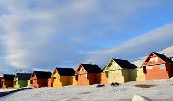 Husene har syv forskjellige farger, men har like fargenyanser.