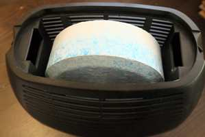<b>TABLETT:</b> Vannet samles opp i en beholder via en sugetablett.