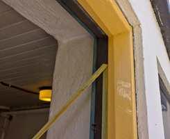 Maskeringstape gir skarpe kanter, fine avslutninger og minimerer søl.