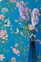 <b>BLÅTT:</b> I kolleksjonen Pip 4 fra fra Eijffinger/Storeys finnes fugler, blomster, småkryp og bær i hele fargespekteret – fra myke pasteller til kraftige farger og dypere toner.