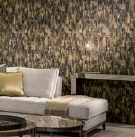 <b>NATURFARGER:</b> Naturen er full av bruntoner. Mønsteret på dette tapetet fra Arte er inspirert av hornene til en gaselle. Tapetet føres av Green Apple.