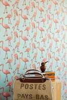 I kolleksjonen Script fra Eijffinger er det flamingo i mange størrelser og farger. Disse fargene og mønstrene kan passe mange, mener Erik Torp fra Storeys.