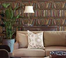 Et rom med bøker fra gulv til tak gir en helt spesiell atmosfære. Mangler du bøker? Du kommer langt med noen ruller tapet.