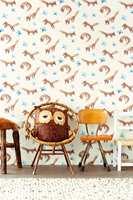 Hvorfor ikke innta frokosten  i selskap med muntre rever? Kolleksjonen Tout Petit er fra Eijffinger og føres av Storeys.