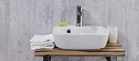 Våtromstapet er et godt og rimelig alternativ til fliser på bad, vaskerom og toaletter. De finnes i mange flotte design for bruk der vannet ikke står direkte på veggen. Nå kommer noen varianter også med innebygget membran.