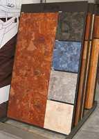 Vinylgulv i nye farger og mønstringer. Her fra Tarketts stand.