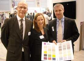 Tarketts nye IQ Eminent-kolleksjon ble vist frem av Dag Duberg, Katharina Svensson og Per Sternegård, samtlige fra Tarkett i Sverige.