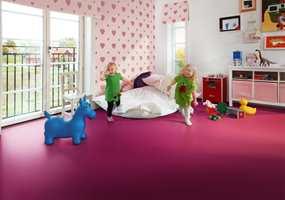 Støydempende, isolerende og mykt å leke på. I tillegg kommer gulvet i knalle farger - godt egnet barnerommet.