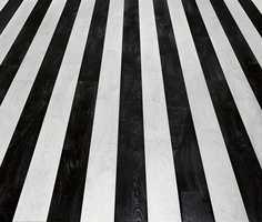 Klarer du ikke bestemme deg for enten svart eller hvitt? Legg begge deler. Her er Lamin'art Black & Hype og Lamin'art White & Hype lagt sammen.