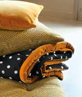 <b>TEKSTILBOOM:</b> Ellen Lind fra Green Apple har sett tendensen lenge, og spår en ny tekstilboom. Tekstiler fra Lizzo/Green Apple. (Foto: Green Apple)