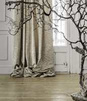 Lyse rom oppleves ekstra kjølige i vinterkulda. Det kan kompenseres med en «foss» av tekstiler.