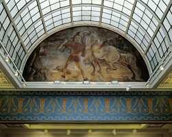 Etter: Alle farger på freskene er knyttet opp til de originale. De er spesialblandet og har derfor ingen NCS-benevnelser.