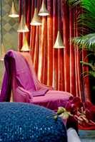 <b>VELUR:</b> Økt interesse for velur er et tydelig tegn i tiden. Det blir lunt og hjemmekoselig med det myke, elegante tekstilet som brukes på puter, gardiner og møbelstoff.