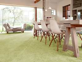 <b>TAKTILT PÅ GULVET:</b> Nærmere mosefølelse på gulvet kommer du ikke. Teppe på gulvet er ikke bare godt å gå eller se på. I og med at det virker lyddempende er det også godt for ørene. Teppet fra Beaufort føres av Musum Interiør.
