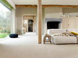 Med teppe på gulvet tar du knekken på den utrivelige romklangen og gir ørene rolige og harmoniske omgivelser.