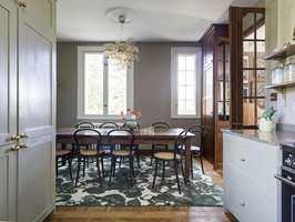 <b>NYE FARGER:</b> Designene kommer i ulike farger og teppene lages av høykvalitets 6.6-polyamidgarn, som gjør at det kan brukes både i private hjem og i offentlig miljø.