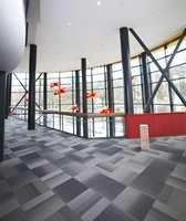 Teppeflisene Straigtforward fra InterfaceFLOR vant Red dot Design Award 2008 og If material Award 2008. Prisene er utdelt på grunnlag av flisenes ekstraordinære design og høye miljømessige nivå.