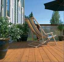 Terrasseproduktene finnes i en rekke farger.
