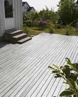 En ferdigbehandlet terrasse: vannavvisende og flott!