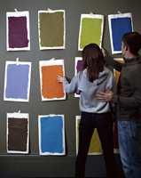 <b>TEST:</b> For all del, ikke dropp oppstrøksprøvene. Det er viktig å teste fargene. (Foto: Nordsjö)