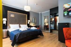 <b>UREDD:</b> Ramsøskar er kjent for en uredd fargebruk. Og dette hotellet er intet unntak. Her er fargespekteret bredt, og spenner fra mørkt og maskulint til lett og feminint.